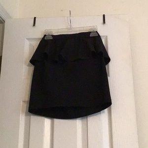SZ 6 divided ruffle mini skirt